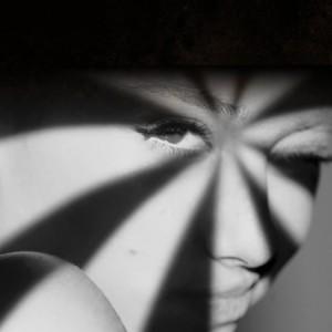 Ariana-Grande_Home-V2